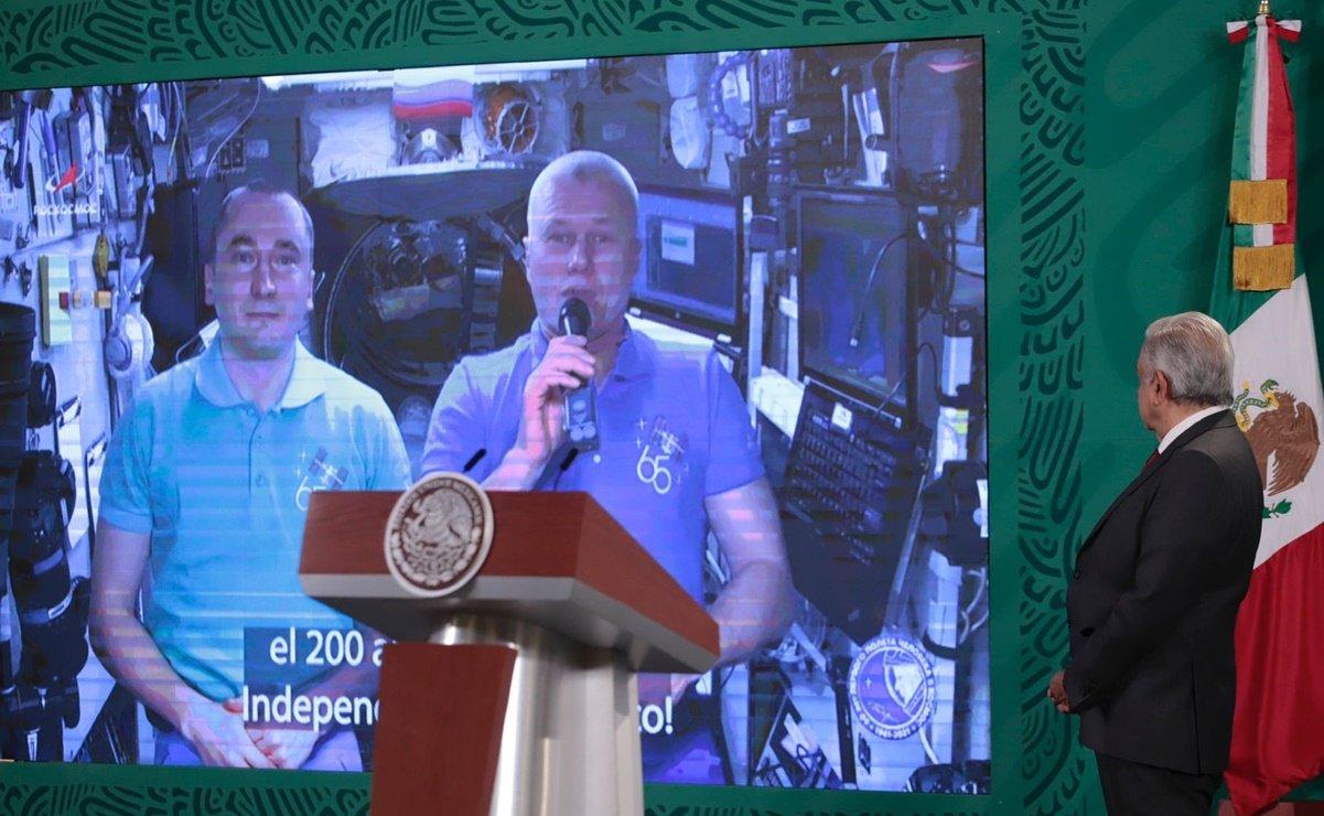 astronautas rusos felicitan México