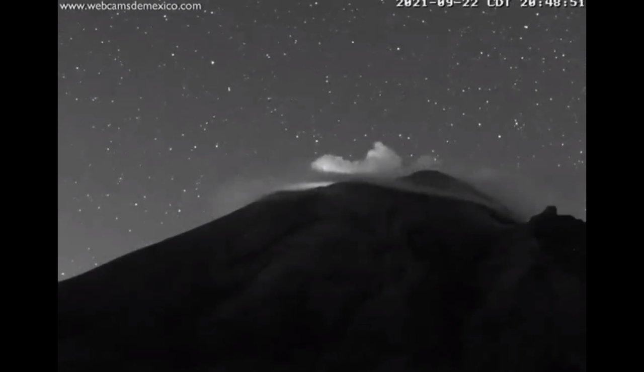 Popocatépetl explosiones luces extrañas